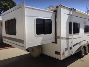 2005 26' Trail-Lite Trail Cruiser camper trailer. for Sale in Whittier, CA