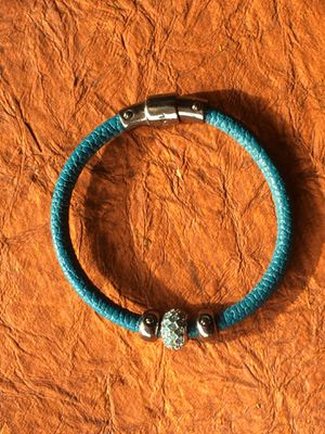 Henri Bendel Leather Louis Teal Bracelet with Swarovski Stones and Magnetic Closure for Sale in San Diego, CA