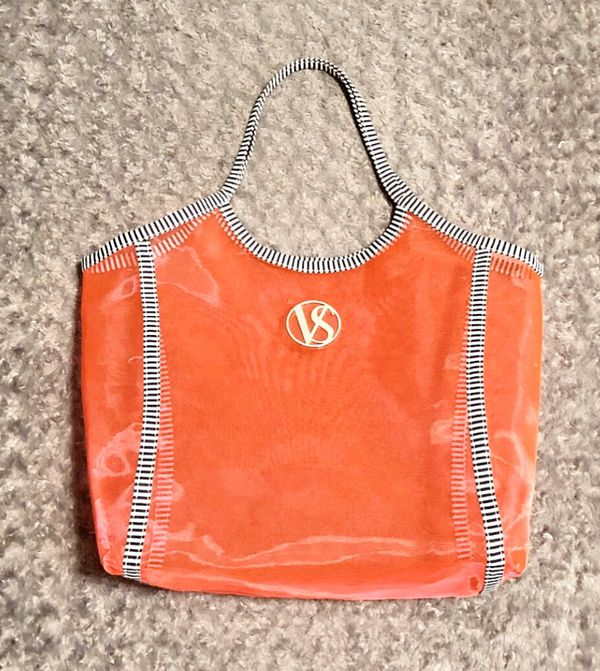 """New! Victoria's Secret pink tote paid $48 This """"VS"""" Oversized Mesh Beach Tote Bag is hot pink mesh with black & white striped trim handles. Measureme"""