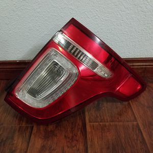2011 2012 2013 2014 2015 FORD EXPLORER RIGHT PASSENGER SIDE TAILLIGHT LAMP OEM for Sale in West Sacramento, CA