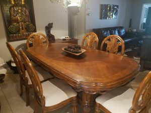 Dining table with chairs for Sale in Miami, FL