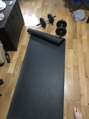 Yoga mat and 25 pound dumbbell set for Sale in Queens, NY