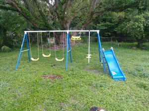Children's swing set for Sale in Orlando, FL
