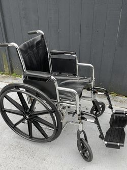 Wheelchair (narrow frame) for Sale in Bellevue,  WA