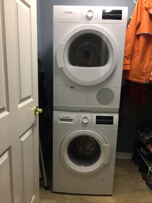 Bosch 300 Series Washer and Dryer for Sale in Clermont, FL