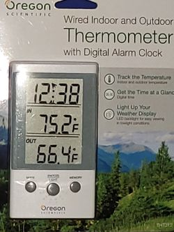 regon Scientific THT312 Indoor/Outdoor Thermometer Clock with Wired Probe for Sale in Bothell,  WA