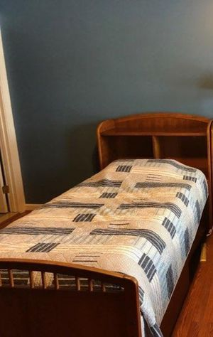 Stanley Furniture Twin bed with dresser for Sale in Gambrills, MD