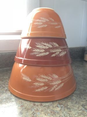 Vintage Wheat Pyrex mixing bowl set for Sale in St. Louis, MO
