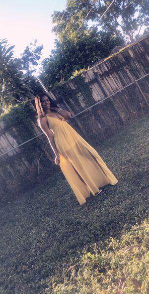 Yellow maxi dress for Sale in Morrow, GA