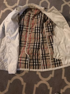 Burberry coat for Sale in Waldorf, MD