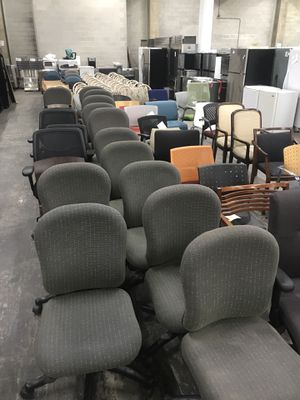 Pre- owned office chairs for Sale in Oak Park, IL