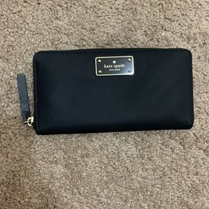 Kate Spade Wallet for Sale in Garden Grove, CA