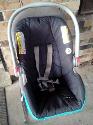 3 carseat for Sale in Southaven, MS
