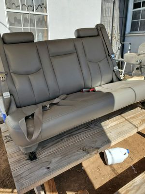 Leather Seats 3rd Row, GM model#9142 and model#9143 2000-2006 Tahoe, Yukon, Suburban, Escalade for Sale in Bell Gardens, CA