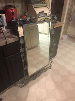 Antique mirror for Sale in Laurens, SC