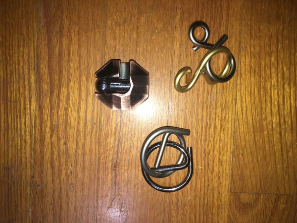 Metal puzzle toys