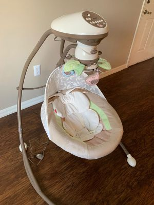 Fisher Price Baby Swing for Sale in Miami, FL