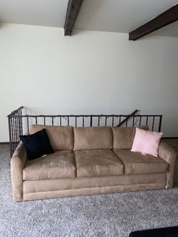 Pull Out Couch w/ side chair for Sale in Columbus,  OH