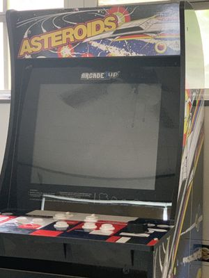 Arcade game... PICK UP ONLY for Sale in North Miami Beach, FL