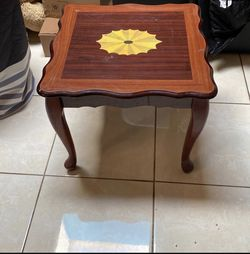 Cornner Table Furniture for Sale in San Diego,  CA