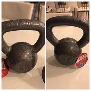 20 and 25 kettlebell for Sale in Pembroke Pines, FL