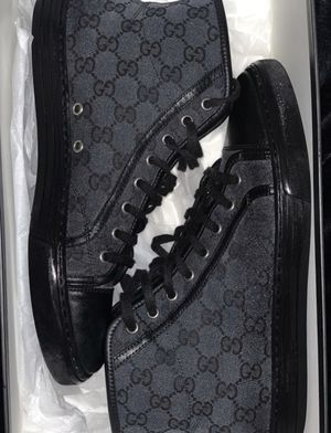 Gucci sneakers size 10 for Sale in Santa Ana, CA