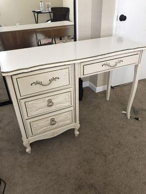 Desk/vanity for Sale in San Diego, CA