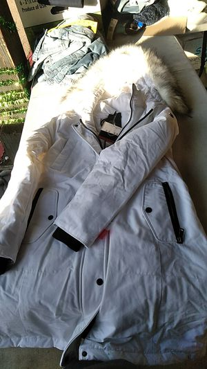 Madison expedition warm stylish parka for Sale in Escondido, CA
