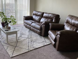 rc Willy Brown Leather Loveseat and Recliner For Sale for Sale in Layton,  UT