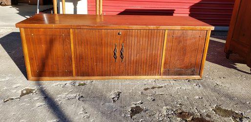 Vintage Midcentury LANE Cedar Chest w/ working Lock for Sale in Lorain,  OH