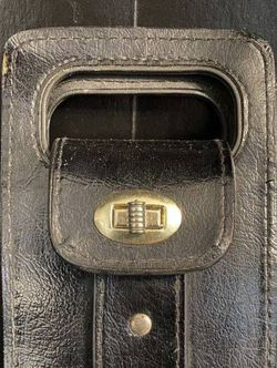 Vintage Genuine Leather Purse Fanny Pack Hans Or Waist Belt Bag Pouch Wallet for Sale in Chapel Hill,  NC