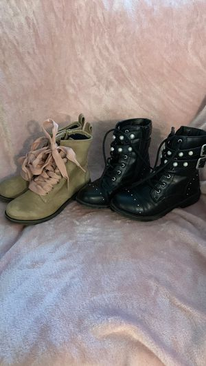 Girl boots size 1 for Sale in Escondido, CA
