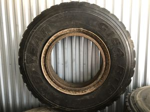 20 or more Trailer tires 11R22.5 for Sale in Fort Lauderdale, FL