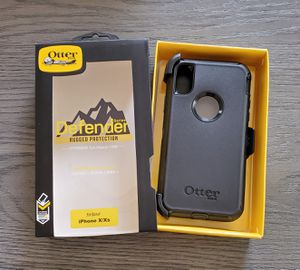 iPhone X/Xs Otterbox Defender series Case with belt clip holster black for Sale in Canyon Country, CA