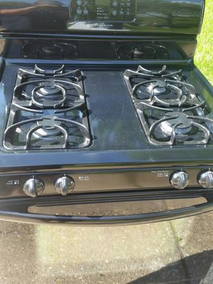 Gas stove like new 4 months warranty for Sale in Alexandria, VA