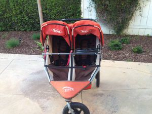 Bob Duallie double stroller with adapter and snack trays for Sale in Fairfax, VA
