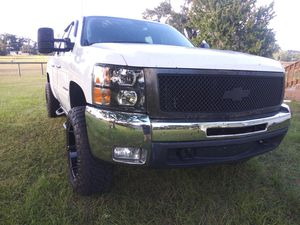 07-13 silverado 1500 hood and grille for Sale in Lecanto, FL