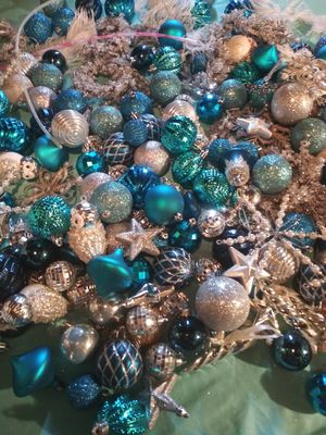 200+ unbreakable ornaments and ribbon garland for Sale in Tacoma, WA