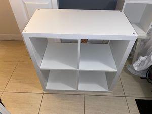 White shelving unit for Sale in Miami, FL