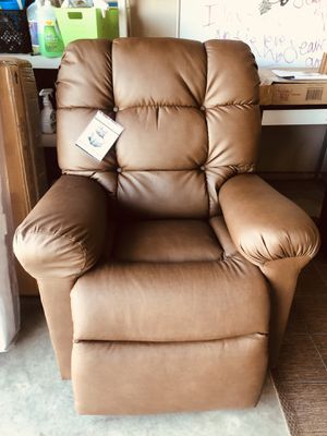 Brown Recliner for Sale in Fresno, CA