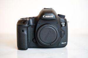 5D Mark III Canon Camera 5D3 5dmk3 5dMarkiii Body for Sale in Fontana, CA