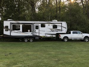 2019 Mesa Ridge Fifth Wheel 314RLS for Sale in Duvall, WA