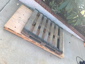 Free pallets for Sale in Mission Viejo, CA