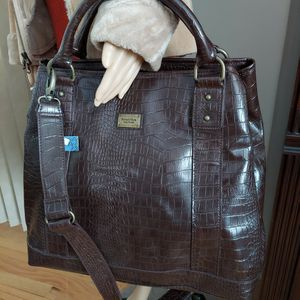 NEW. SIMPLY VERA VERA WAND. Crock Texture Faux Leather CHOCOLATE Bag. for Sale in Rolling Meadows, IL