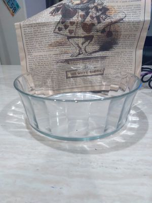 Vintage glass serving bowl- marked - made in the USA on bottom for Sale in Henderson, NV