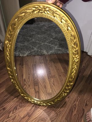 Oval Mirror for Sale in Briarcliff Manor, NY