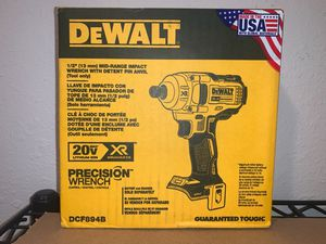 DEWALT XR 1/2 MID RANGE IMPACT WRENCH ( TOOL ONLY) NO BATERIA NO CARGADOR for Sale in Dallas, TX
