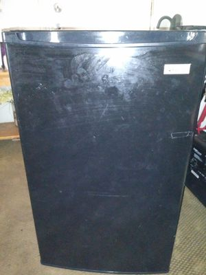 Refrigerator, magic chef, lik new all part completely work perfect. for Sale in Boston, MA