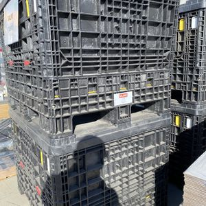 Black Plastic uline totes / Boxes for Sale in Carson, CA