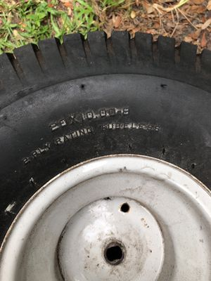 Tire for riding lawn mower for Sale in Orlando, FL